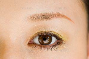 瞳の色に合わせると好感度が上がります