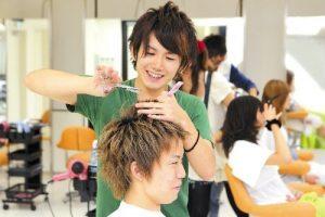 髪の毛のプロである美容師さん