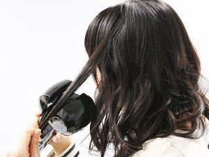 自動で髪の毛を巻き取ってくれます